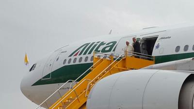 Incógnita: ¿el Papa sobrevolará espacio aéreo argentino?