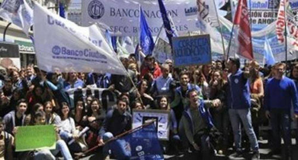 Bancarios rechazan adhesión de Provincia a Ley de ART