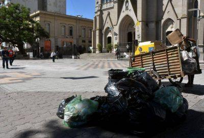 Basura en las calles: la Provincia busca destrabar un conflicto ajeno y evitable