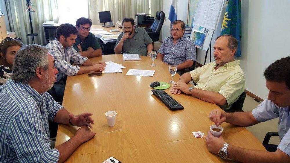 El intendente de Trenque Lauquen e integrantes del Comité de Cuenca del distrito estuvieron en la Dirección de Hidráulica