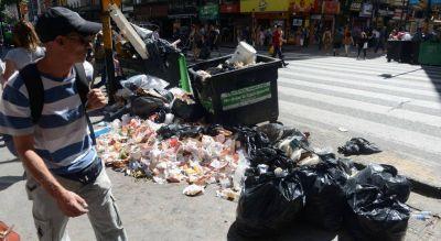 Toneladas de basura en la ruta de la gran licitación municipal
