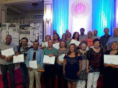 Entregaron reconocimientos a jubilados municipales