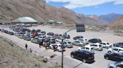 Mendoza: por la visita de Papa, comienza un megaoperativo en el cruce a Chile