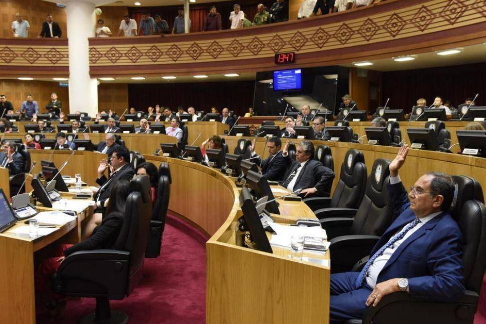 Asoman portazos y alianzas en el verano legislativo