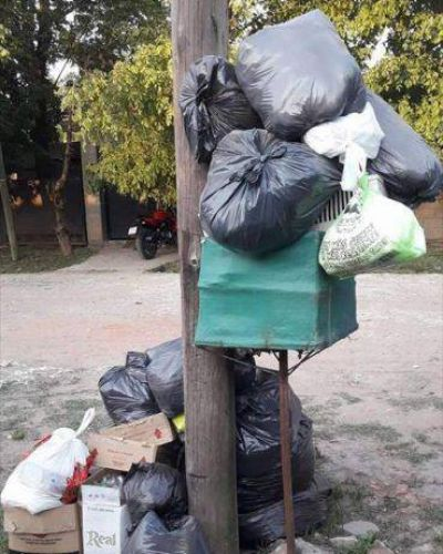 Se acumula la basura y las preguntas