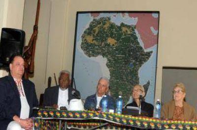 Musulmanes cubanos participan de un debate sobre importancia de la paz mundial