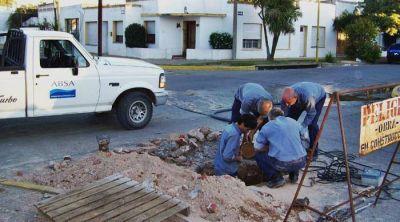 En un lunes sofocante, ABSA corta el agua en el barrio Bella Vista