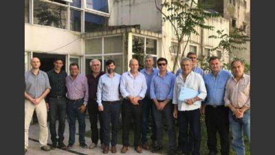 Intendentes peronistas del interior bonaerense resisten el pacto fiscal