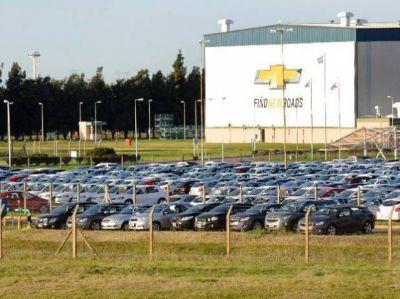 Reincorporan a 15 trabajadores y construirán nuevo modelo de auto en la planta de General Motors