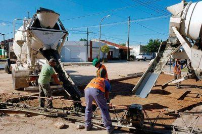 Avanza la repavimentación en barrio San Vicente