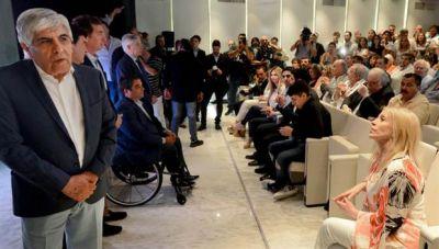 Los hijastros de Moyano blanquearon US$1,1 millones