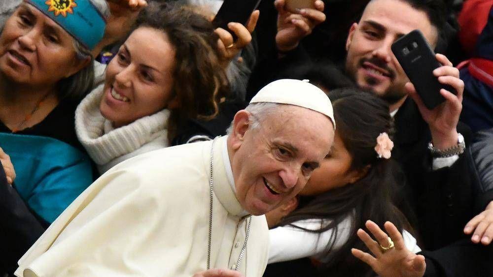 El Papa: no meter prisa a los feligreses recogidos en el silencio durante la misa