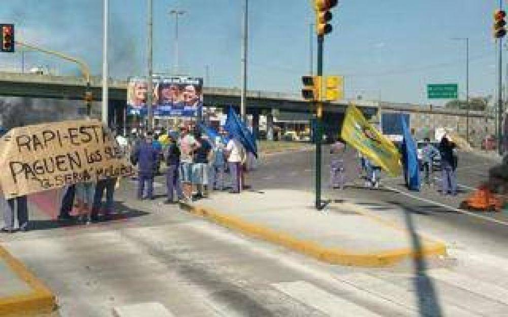 La Matanza: Trabajadores de Rapistand cortaron la Ruta 3 en reclamo del pago de salarios