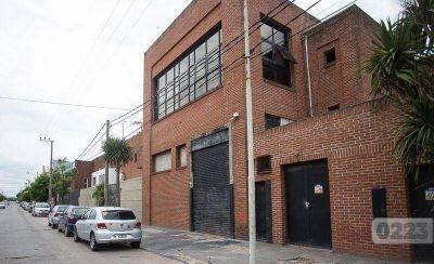En Mar del Plata los deja trabajar sólo 6 días al mes pero en Puerto Madryn abrió tres fábricas nuevas