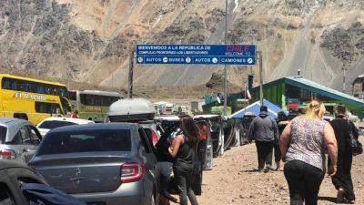 Una madrugada con complicaciones para cruzar a Chile a ver al Papa