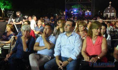 Valdés se reúne con Macri y regresa a inaugurar obras con funcionario nacional