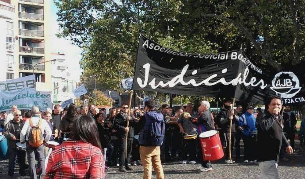 Judiciales le reclaman a Vidal la aplicación de la cláusula gatillo