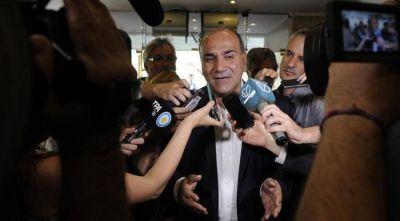 """""""Vamos a cumplir lo firmado con los trabajadores"""", aseguró Juan Manzur"""