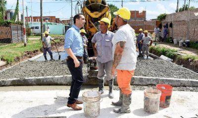 Tagliaferro recorrió una nueva obra de pavimentación