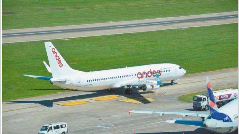 Efecto paritarias: asamblea de pilotos afectó vuelos de Andes