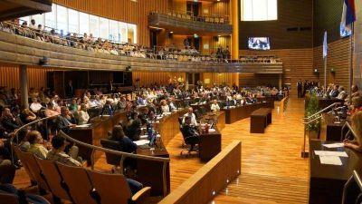 ¿CANSADOS DE LAS VACACIONES?: PROPONEN AMPLIAR EL PERIODO DE SESIONES EN LA LEGISLATURA PROVINCIAL