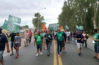 Con caravana a La Plata, trabajadores de Fanazul vuelven a pedir la defensa de sus puestos