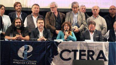 El Gobierno decreta el fin de la paritaria nacional docente y recorta el poder de Ctera
