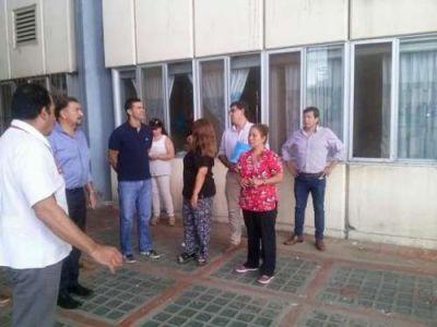 Urtubey e Isa visitaron el hospital de Orán tras la inundación de la semana pasada