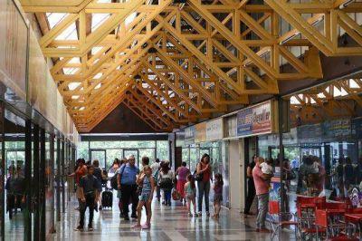 Con tres meses de demora, la terminal espera las obras