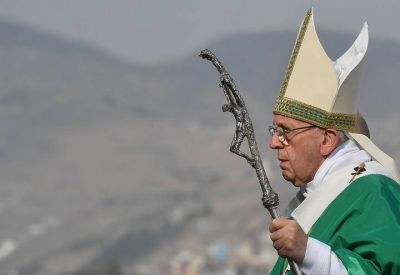 Final de gira papal con contrastes entre Chile y Perú