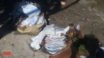 Hallaron cajas con documentación de la UOCRA en un arroyo en Bahía Blanca