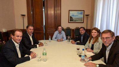 Bordet y Pichetto coinciden en fortalecer la voz de las provincias en el Parlamento