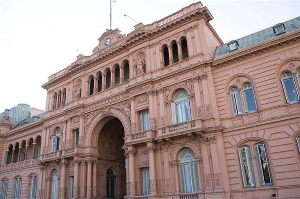 El Gobierno y el ala dialoguista de la CGT abren una negociación por la reforma laboral fragmentada