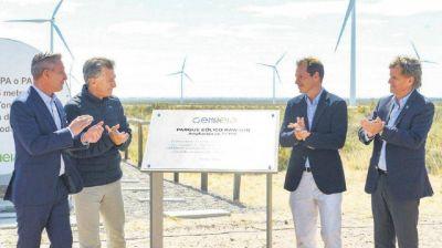 Parques eólicos y la constructora Caputo: quién está detrás de las multimillonarias compras al entorno íntimo de Macri