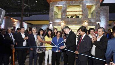 Lucía se sumó a los festejos de Aconquija con la inauguración del Centro Cívico