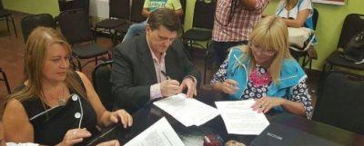 Educación: La provincia analiza con gremios un aumento a docentes
