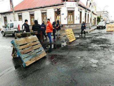 Continúa el reclamo de los trabajadores municipales por falta de pago de salarios