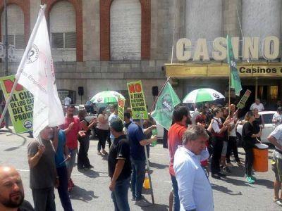 """Casineros volvieron a ganar las calles y anunciaron """"una gran movilización"""""""