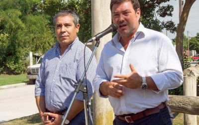 """Las Flores: """"Es nuestra obligación acercarle la infraestructura al vecino"""" señaló el Intendente Canosa"""