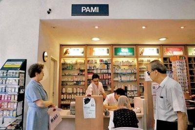 Desde las farmacias analizan dejar de recibir obras sociales