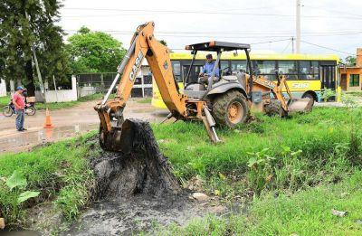 La municipalidad continúa trabajando en diferentes puntos de la ciudad por las intensas precipitaciones