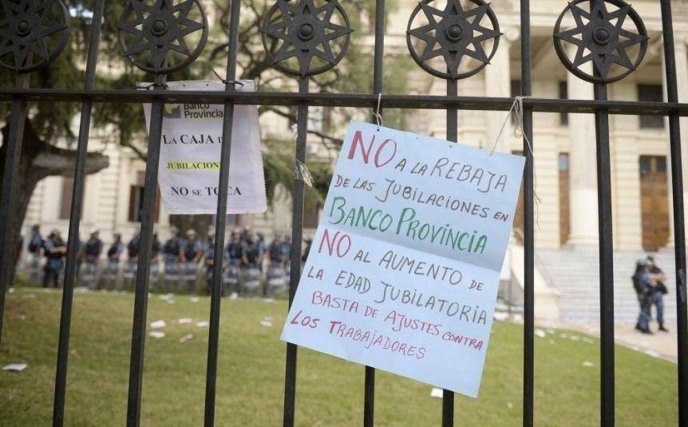 Trabajadores del BAPRO se movilizan contra la reforma previsional