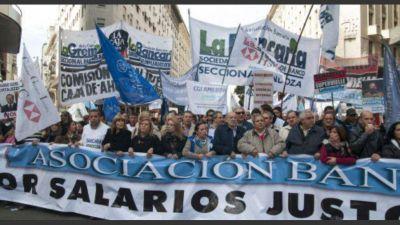 Los sindicatos estiman que acordar un aumento del 20% ya es perder por bastante