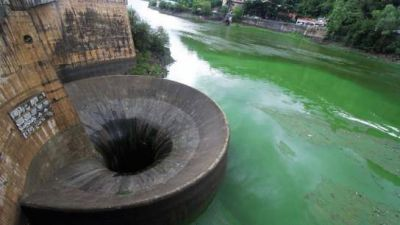 El lago de Carlos Paz está en alerta por contaminación