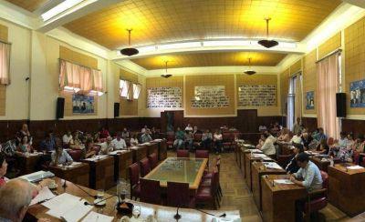 Entre el apuro del oficialismo y las críticas de la oposición, Mar del Plata se adhirió al pacto fiscal