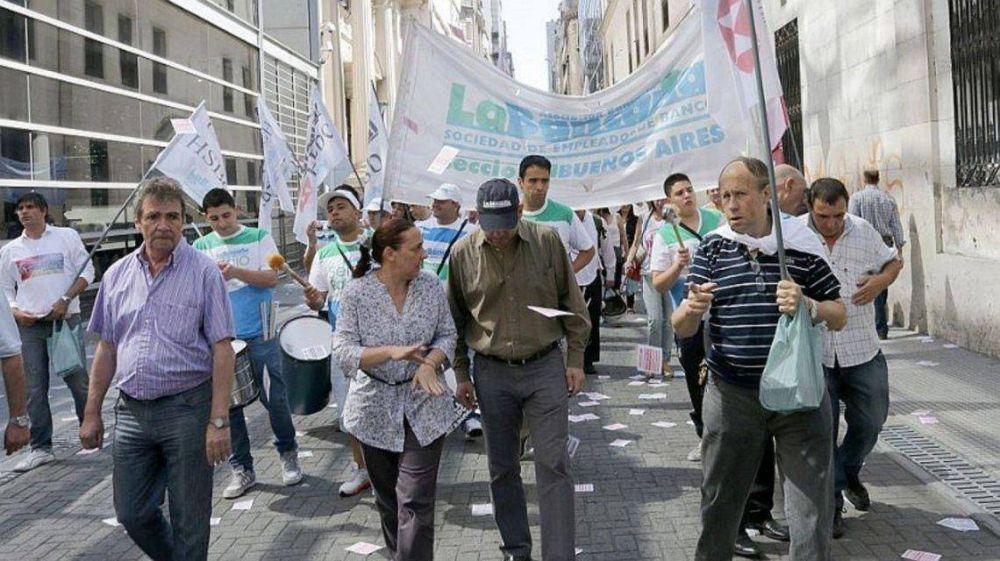 El Gobierno le saca al sindicato de los bancarios $1 millón por mes