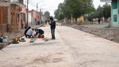INSTAN A EMPRESAS LOCALES A PARTICIPAR DE OBRAS DE RECONSTRUCCIÓN EN VOLCÁN