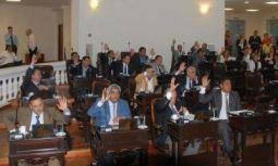Sesión extraordinaria en la Legislatura: tres temas en agenda