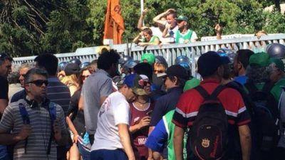 Trabajadores del INTI rechazan los 250 despidos en el sector y amenzan con un nuevo corte en la General Paz