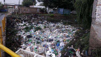 Solano: insoportable situación ambiental en el Arroyo Las Piedras